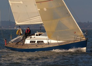 Kass sailing Zest off Cowes Green