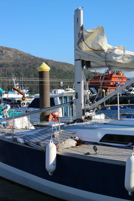 damaged mast