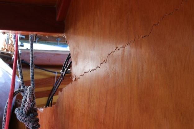 crack in bulkhead